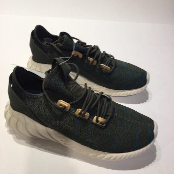 buy online 5e638 51d82 adidas Originals Tubular Doom Socks Size NWOB